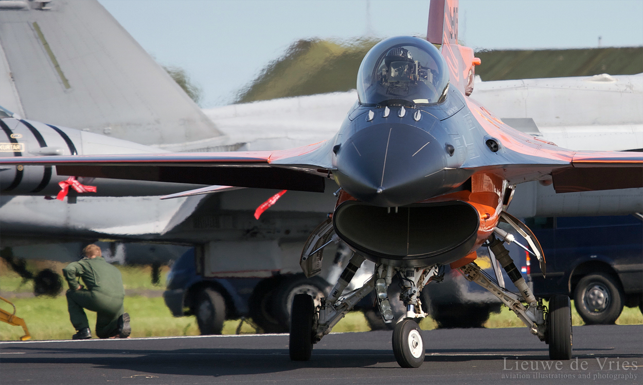 RNLAF Single Ship demo aircraft taxiing out for a display. The bright orange jet has since been repainted into a normal tactical paintscheme.